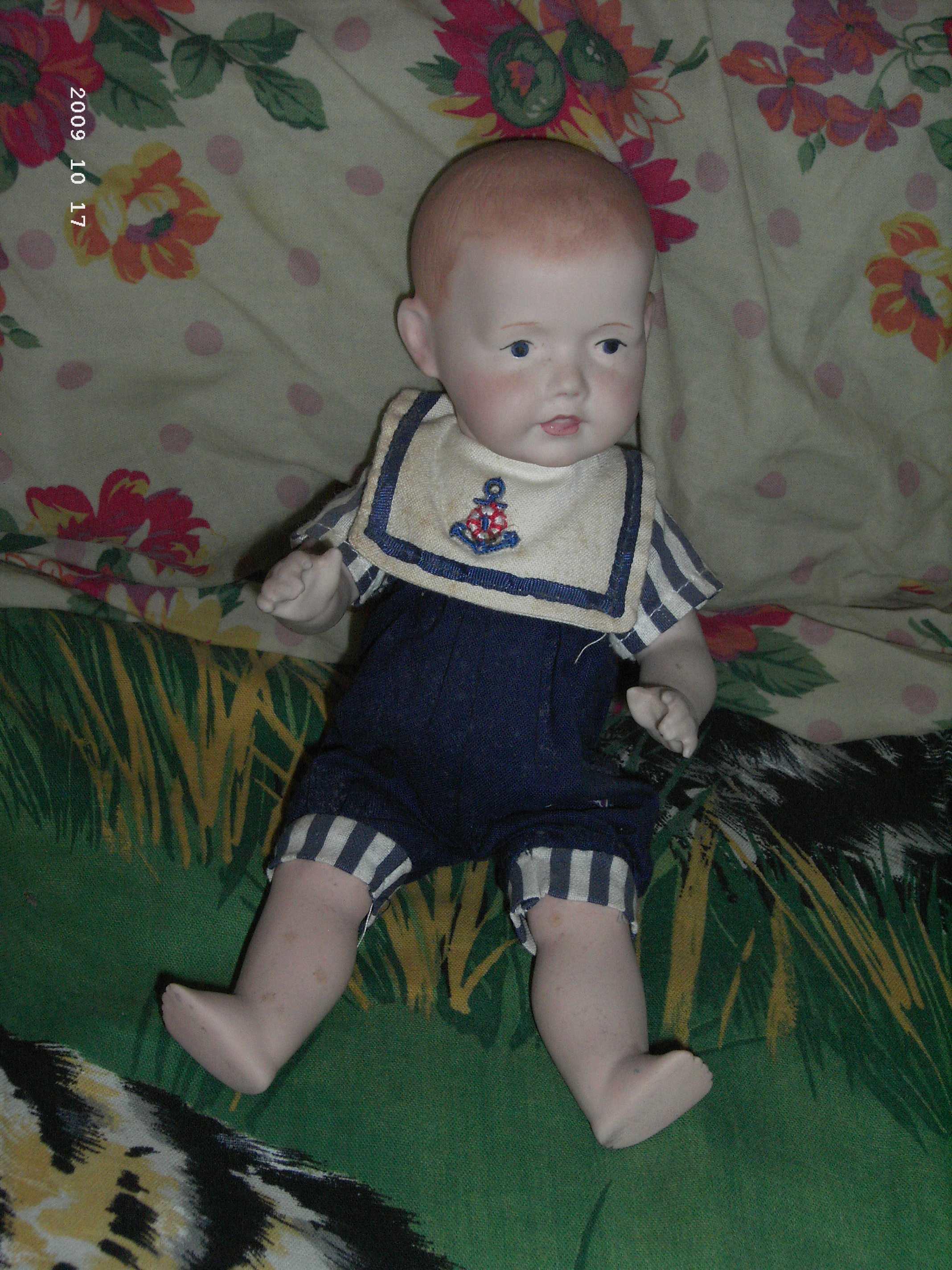 première poupée